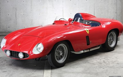 Ferrari 750 Monza Scaglietti de 1955 vendido por 3.3 milhões