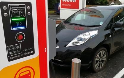 Petrolíferas preparam-se para dominar carregamento de eléctricos