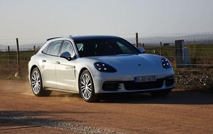 Ao volante do Porsche Panamera 4 E-Hybrid Sport Turismo