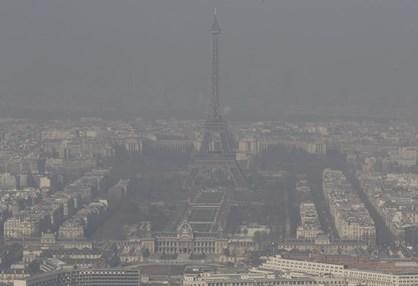 Paris quer proibir automóveis com motor a combustão até 2030