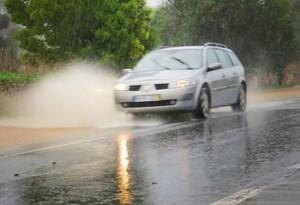 Sete dicas para reduzir o perigo de condução com chuva