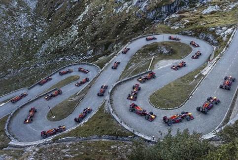 Antigo piloto da F1 levou monolugar da Red Bull aos Alpes suíços