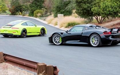 Porsche 918 Spyder e 911 R com o mesmo número de série vão a leilão
