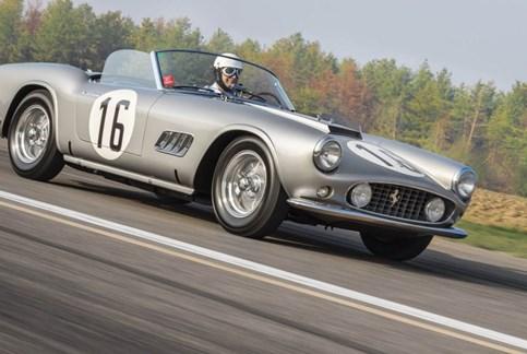 Ferrari 250 GT California Spider vendido por mais de 15 milhões