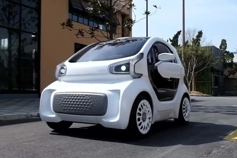 Este carro é feito por uma impressora 3D e vai custar 8100 euros