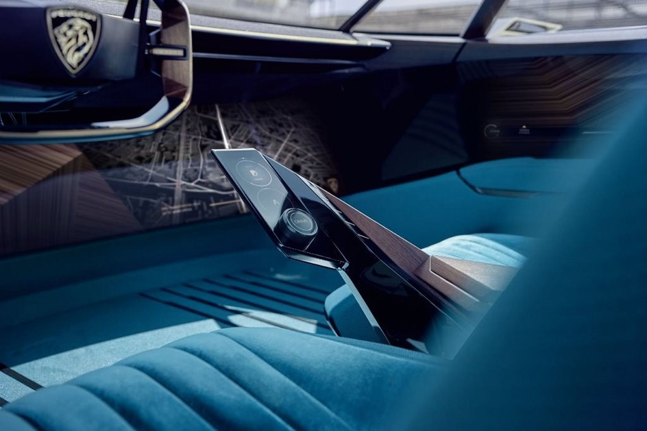Peugeot E Legend Viagem Ao Passado Com Vista Para O Futuro
