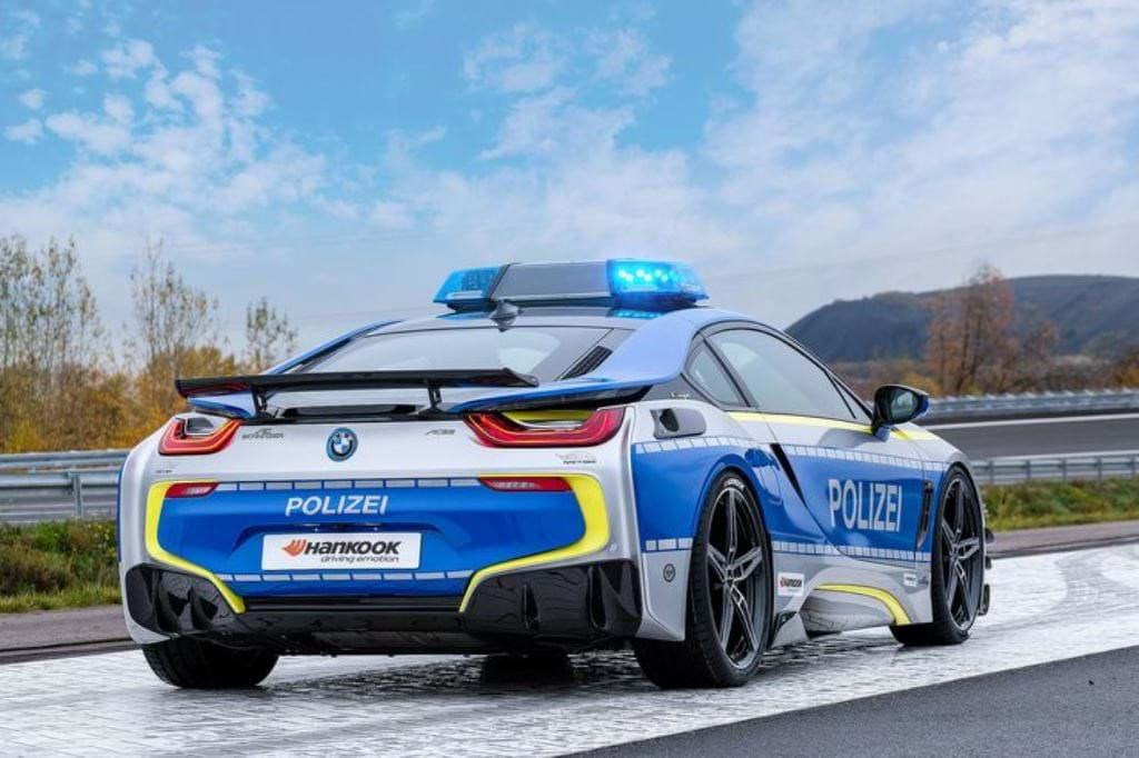 Bmw I8 Roadster Virou Carro De Policia Amigo Do Ambiente