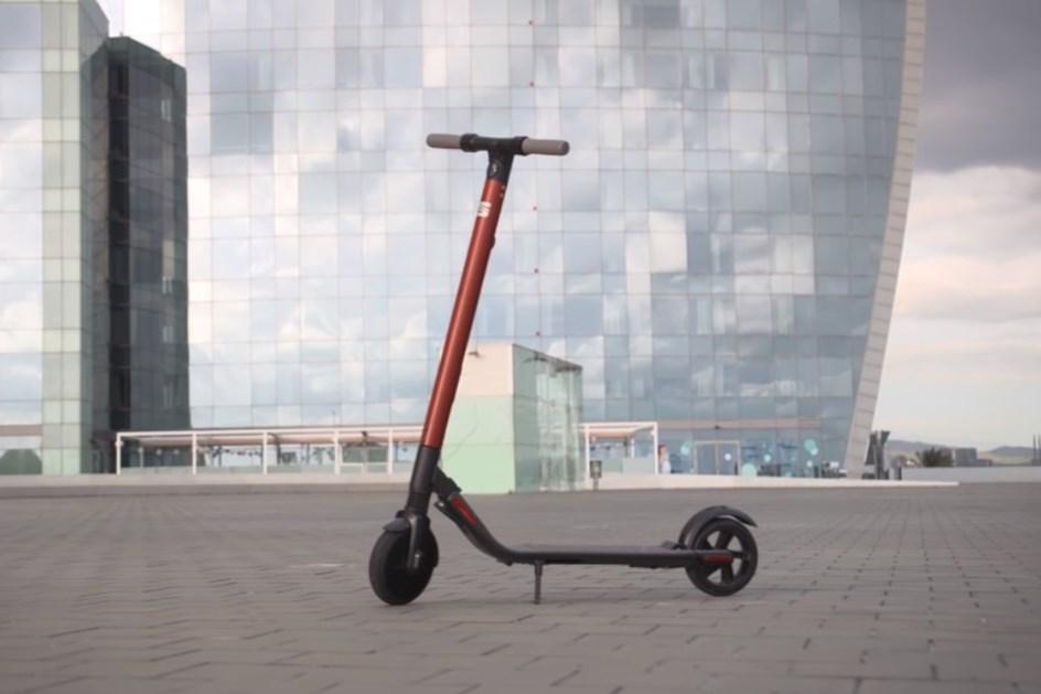ca4135d332 ... eXS  SEAT aposta em trotinete eléctrica que custa 599 euros ...