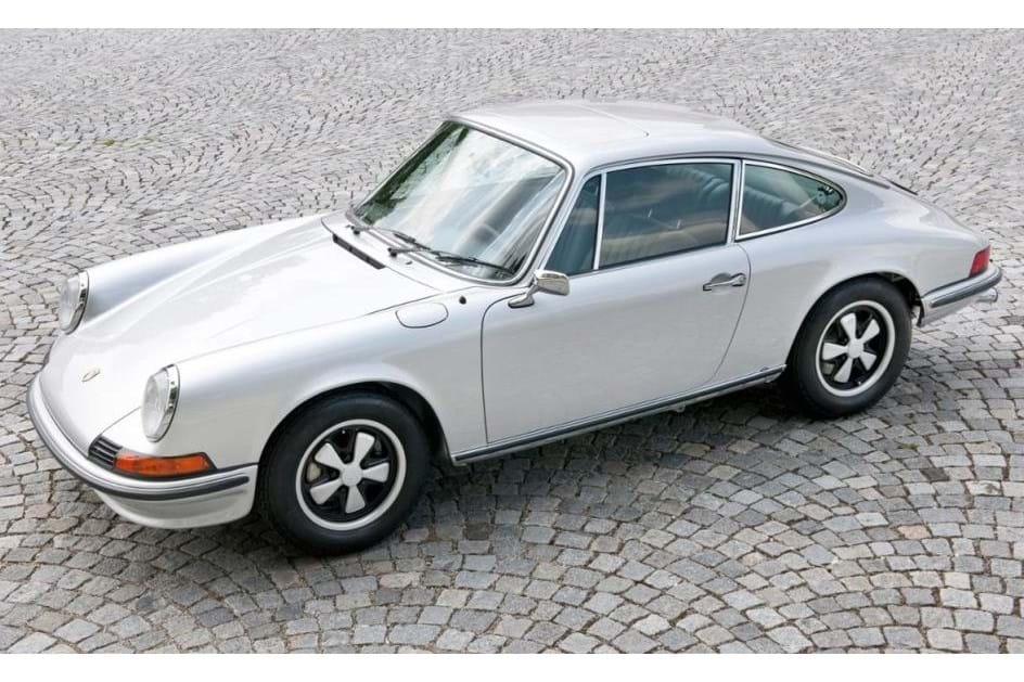 Novo Porsche 911 chega na próxima semana  recorde o modelo original ... a1ede745f3