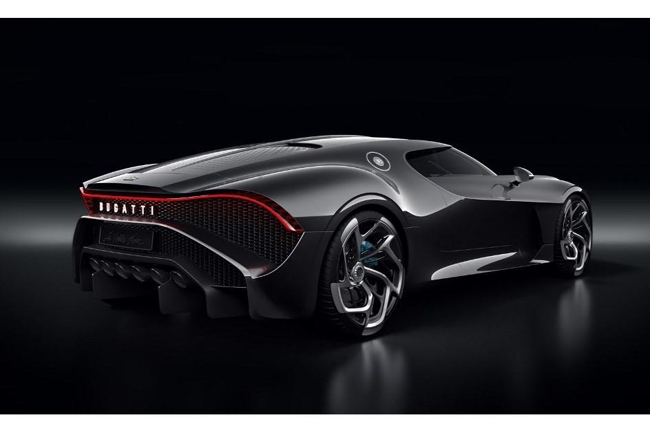 """Sabe quem pagou 11 milhões pelo Bugatti """"La Voiture Noire ..."""
