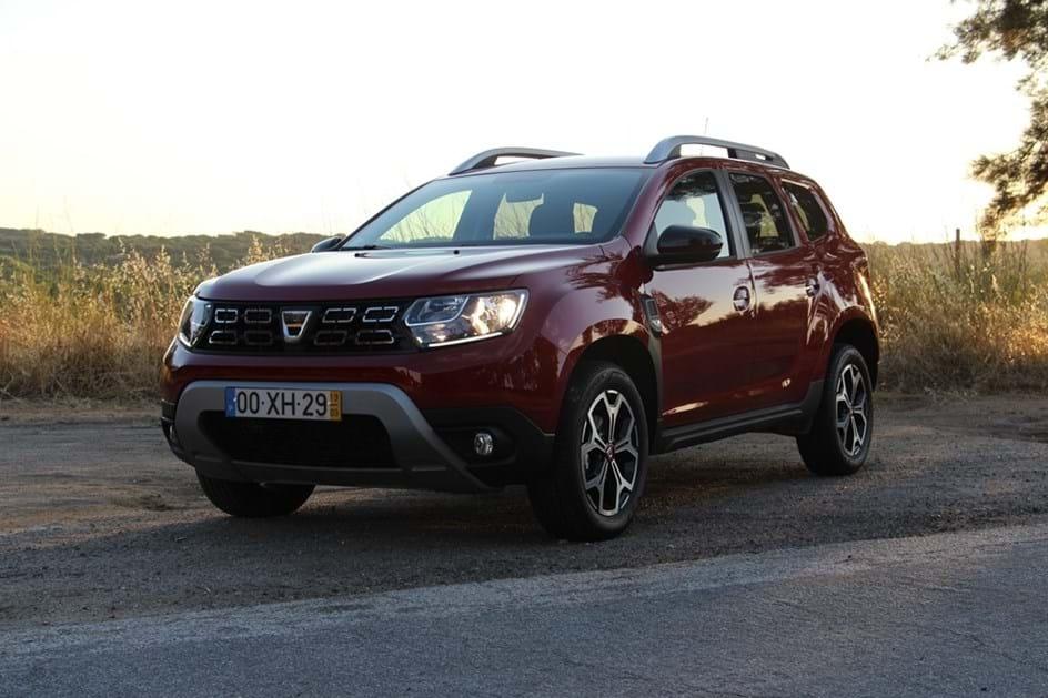 Ao Volante Do Dacia Duster Com Motor A Gasolina De 130 Cv