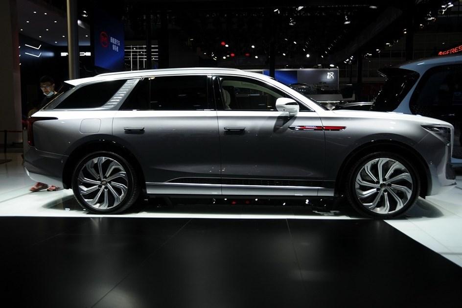 """""""Rolls-Royce"""" eléctrico chinês já chegou à Europa"""
